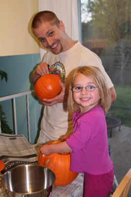 Tasha n Daddy pumpkins1.jpg