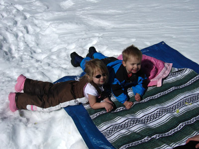 kids-picnic-in-snow.jpg