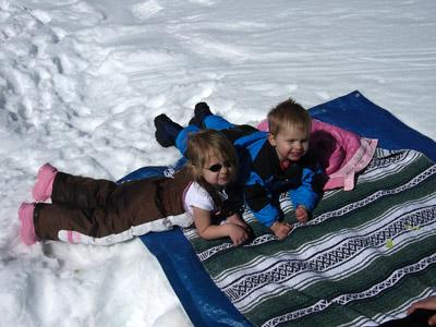 kids-picnic-in-snow.jpg