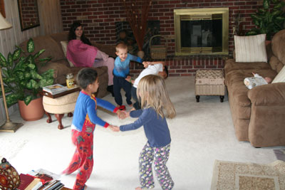 ring-around-with-cousins-11-08