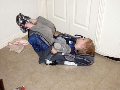 kevin-sleep-carseat